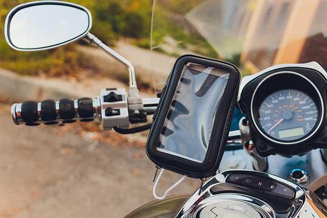 バイクにシガーソケットは取り付けるべき?メリットと選び方を紹介